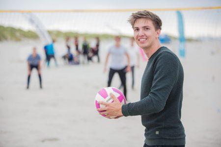 Beachvolleybal familie uitje